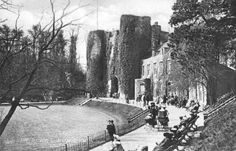 The Terrace, Tonbridge Castle - 1912