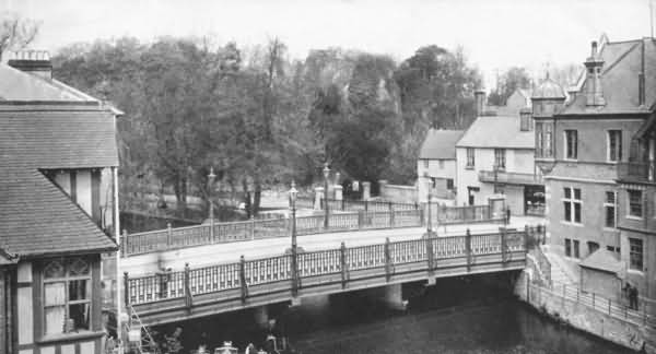 Town Bridge and Entrance to the Castle Grounds - 1905
