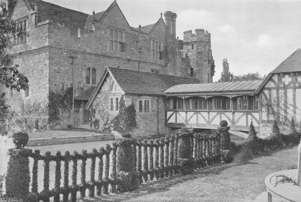 The Connecting Bridge, Hever Castle - 1907