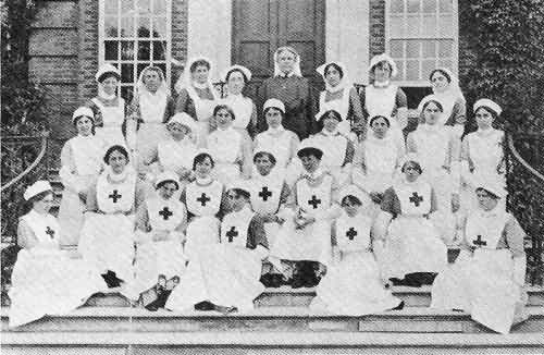 The Matron, Nurses and Staff at Roehampton House as a Hospital - 14th Aug 1915